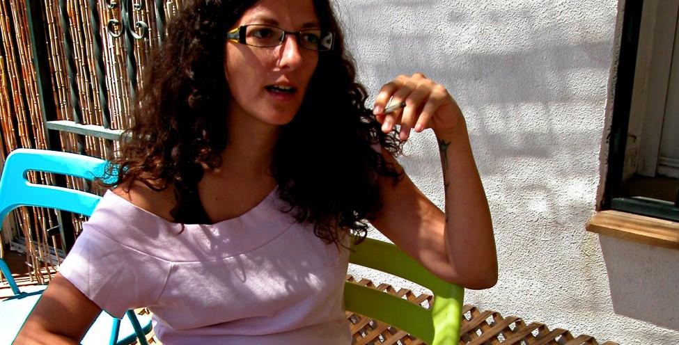Eurídice-Cabañes-cigarro-entrevista-startvideojuegos