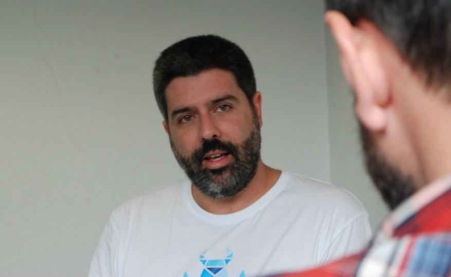 Isaac-Lopez-a-cámara-entrevista-startvideojuegos